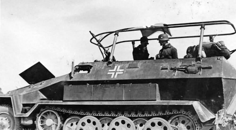 SdKfz 251/3 Ausf A funk SPW