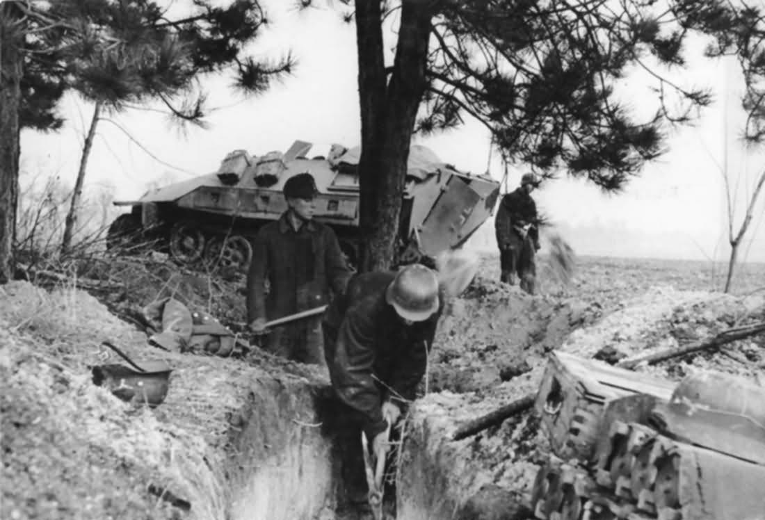 SdKfz 251 Ausf D 1945