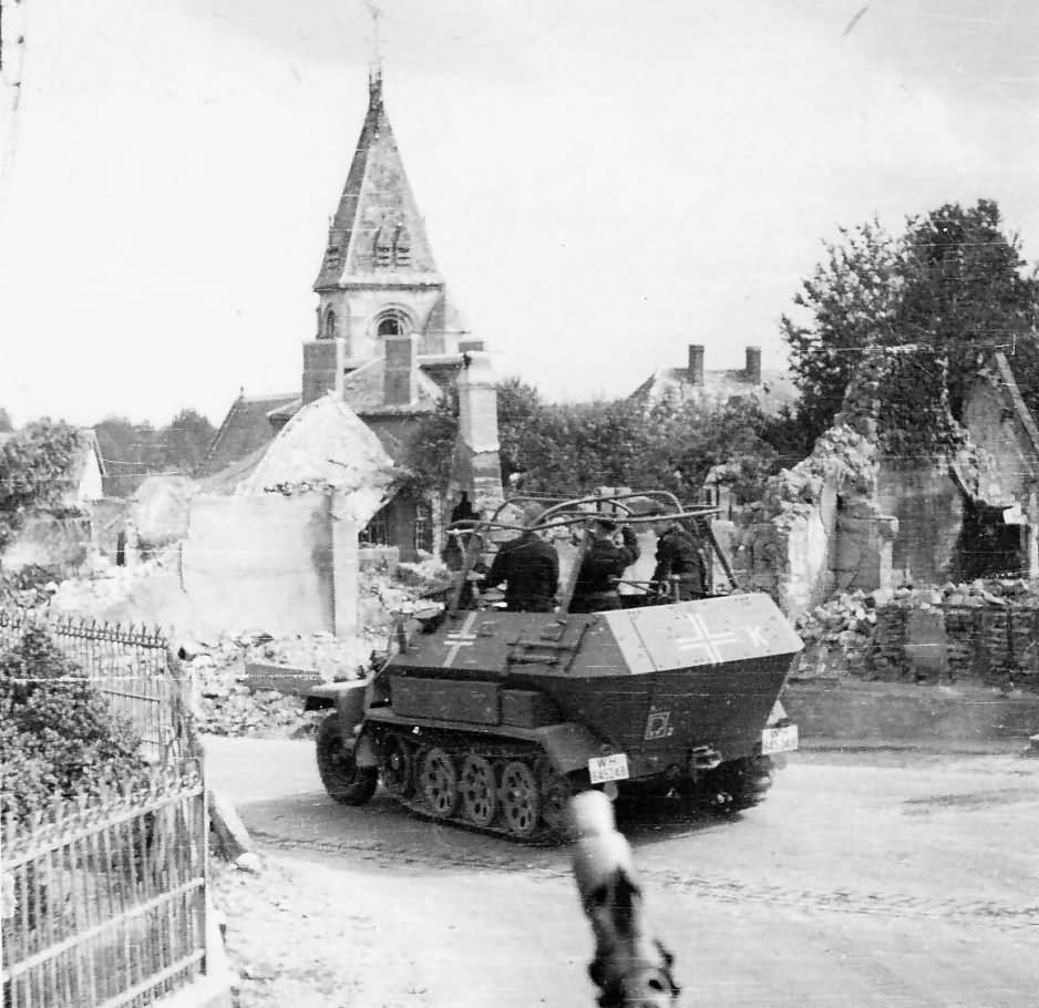 Sd.Kfz. 251 Ausf B during Westfeldzug – campaing in Belgium and France in May 1940