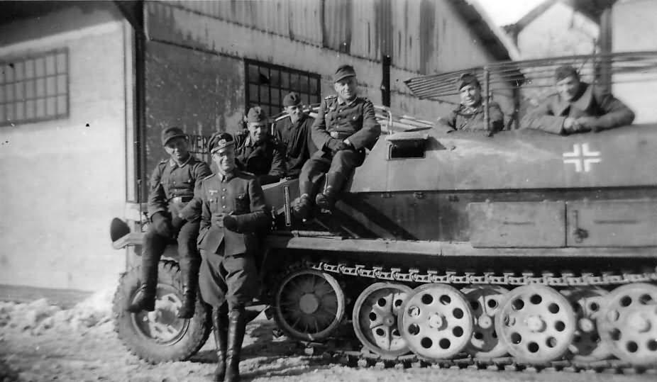 SdKfz 251 Ausf C Kommandopanzerwagen