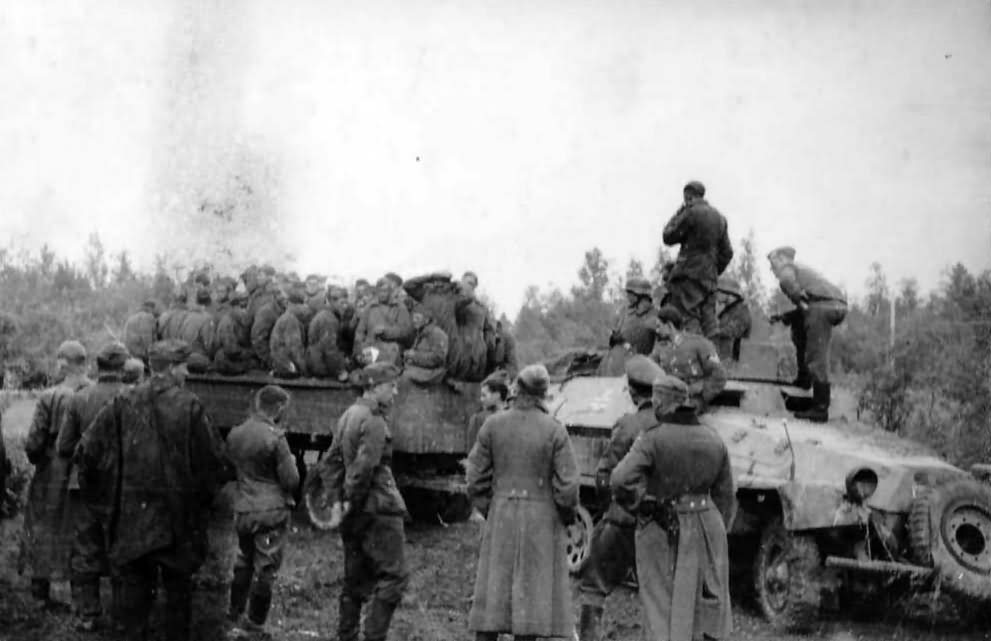 SdKfz 251 and Russian POW