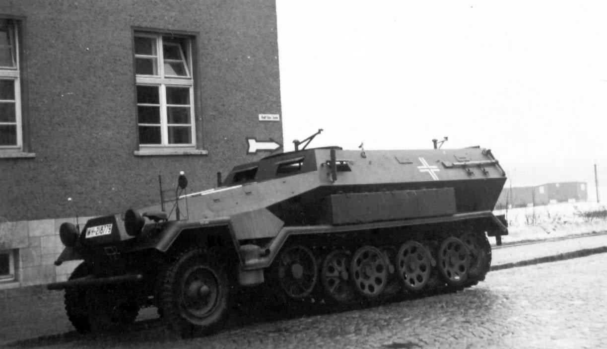 SdKfz 251 ausf A half track 2