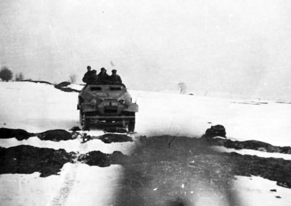 SdKfz 251 ausf B in winter