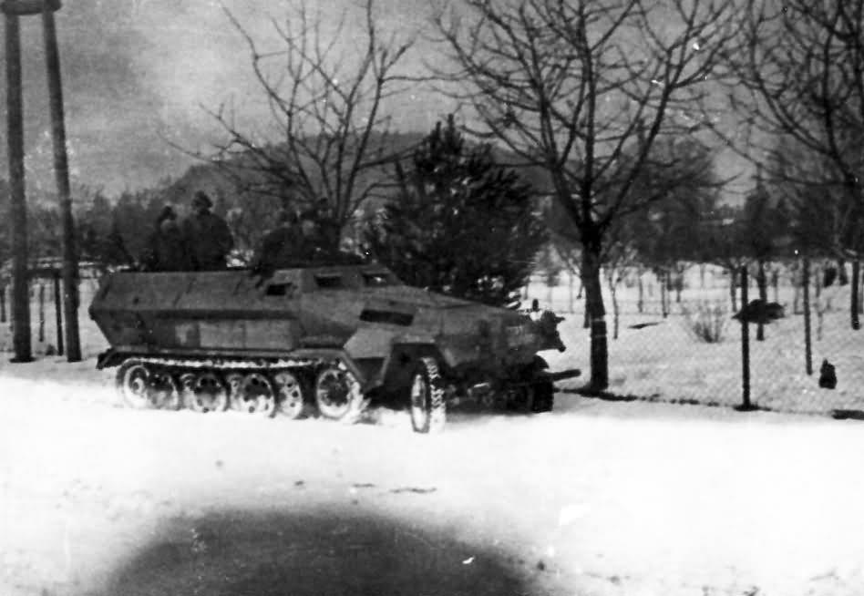 SdKfz 251 Ausf B winter