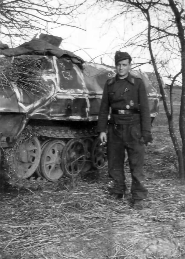 Sd Kfz 251 halftrack 1