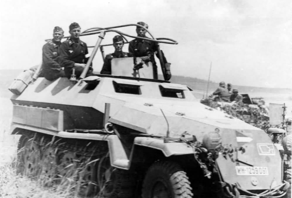 Sd Kfz 251 Ausf C halftrack 10