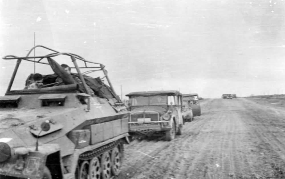 Sd Kfz 251 halftrack 11