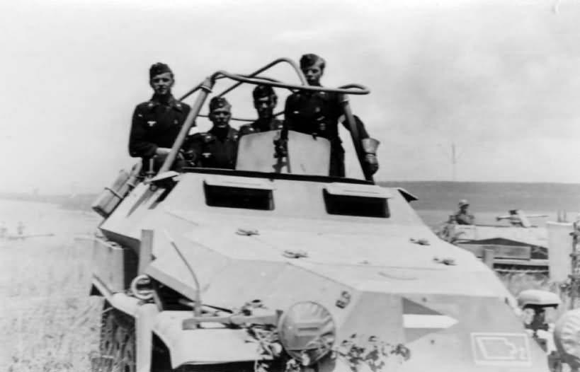 Sd Kfz 251 halftrack 5