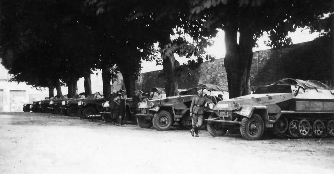 Sdkfz 251 ausf A armored fighting vehicle