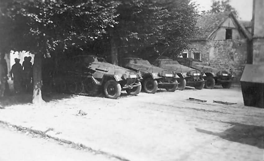 Sdkfz 251 armoured personnel carriers