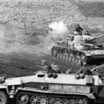 Panzer IV and SdKfz 251 Ausf C Schutzenpanzer Kursk 1943