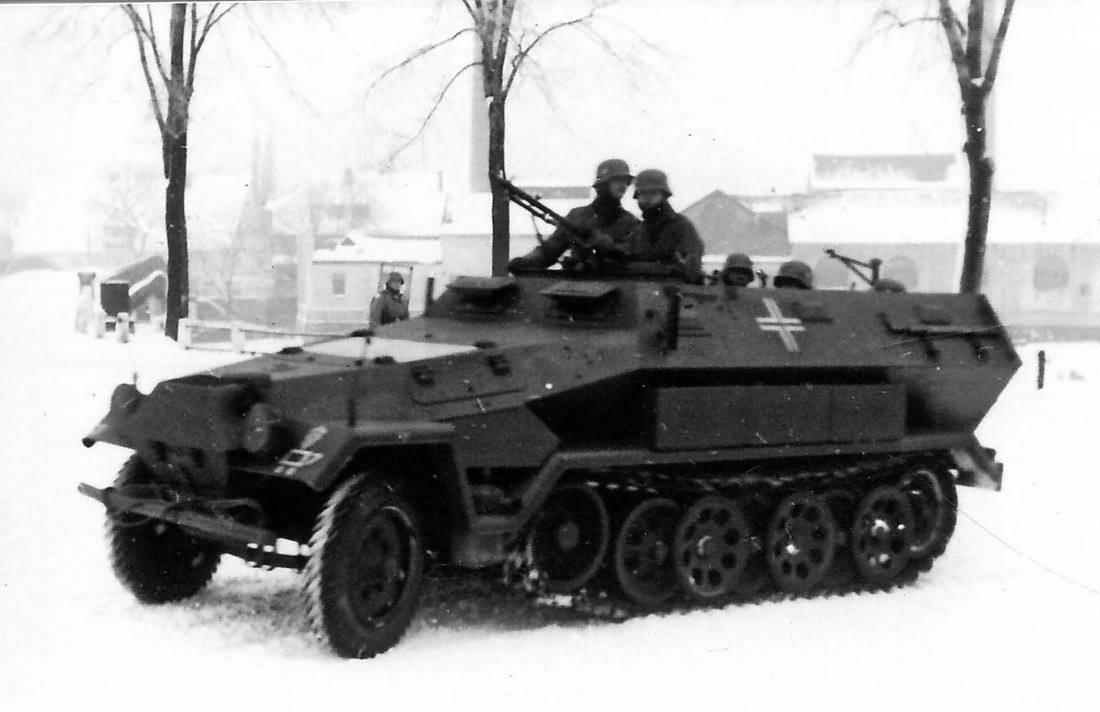 german half track SdKfz 251/1 Ausf A