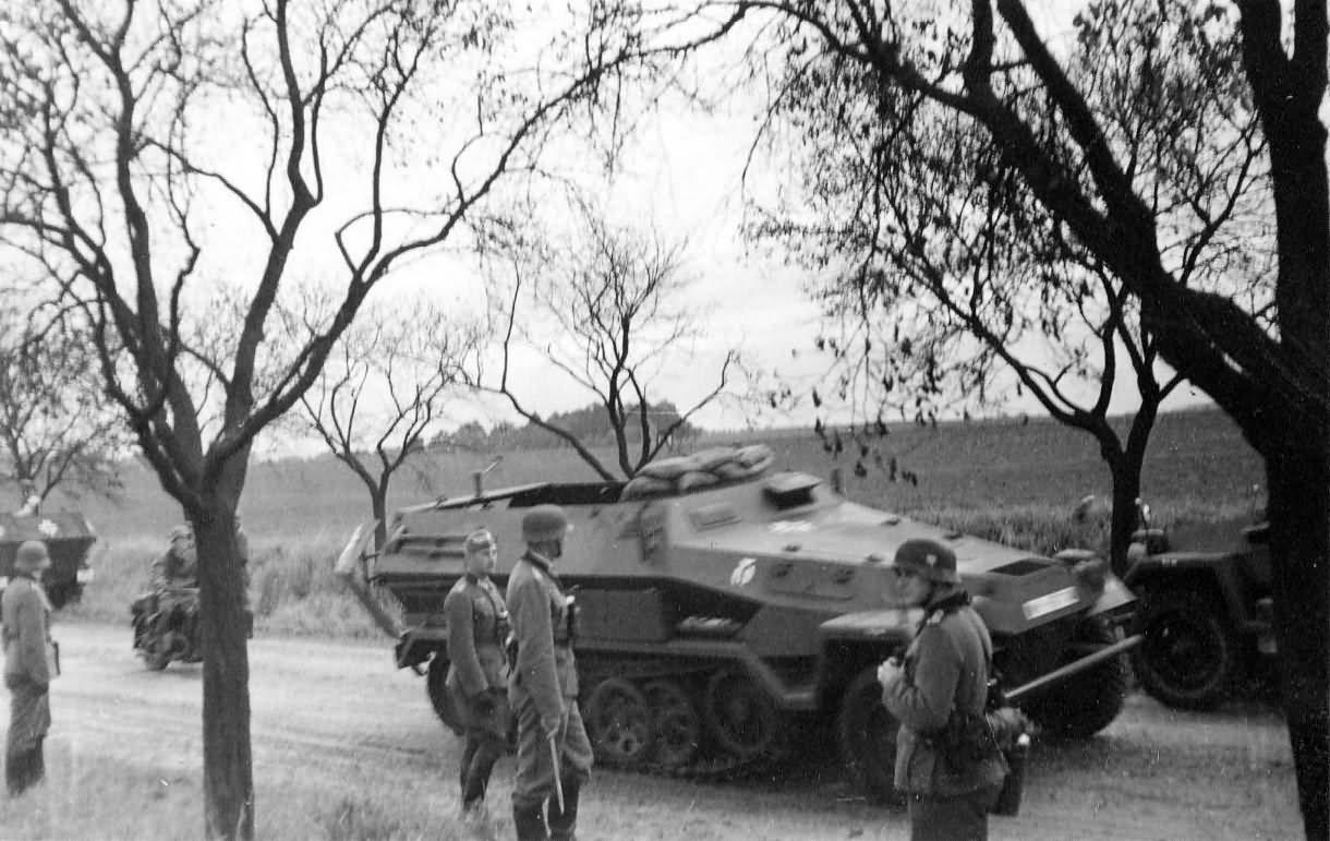 German half track ww2 Sdkfz 251 Ausf B