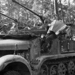 FlaK36 auf Fahrgestell Zugkraftwagen 5t SdKfz 6/2