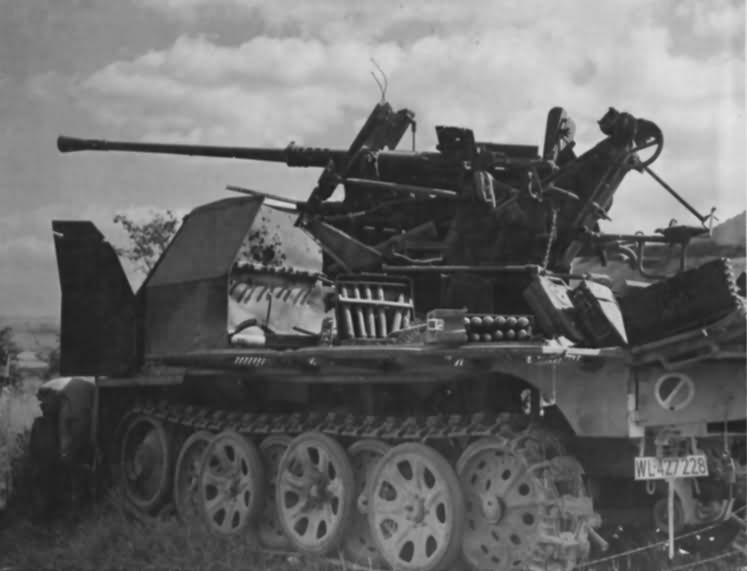 sdkfz_7_2_armed_with_a_3.7_cm_FlaK_36_L_