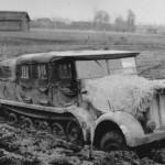schwerer Zugkraftwagen 12t SdKfz 8 in mud