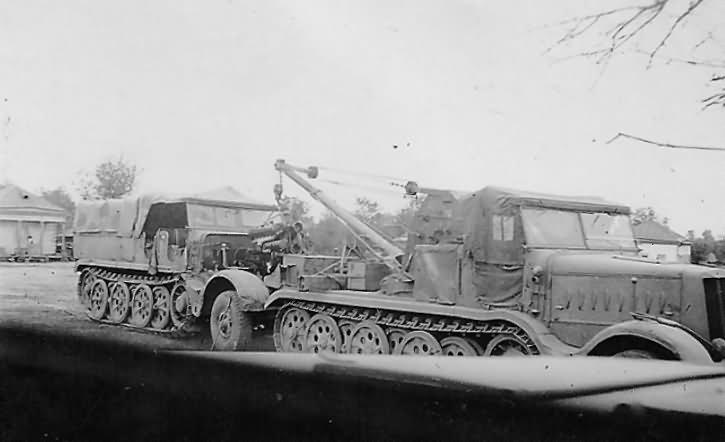 Sdkfz 9 ww2 german halftrack