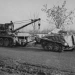 Sd.Kfz. 9/1 towing a Sd.Kfz. 250