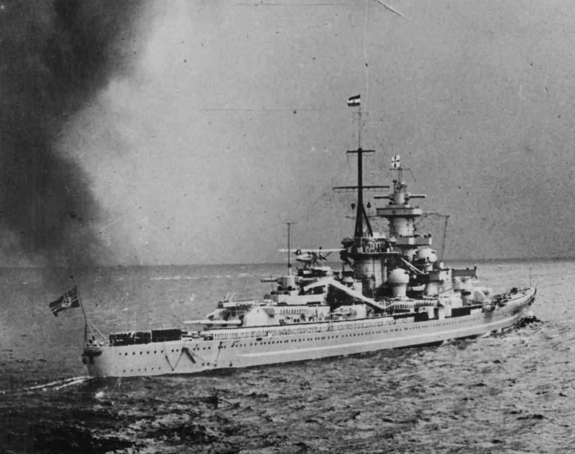 German Pocket Battleship GNEISENAU | World War Photos