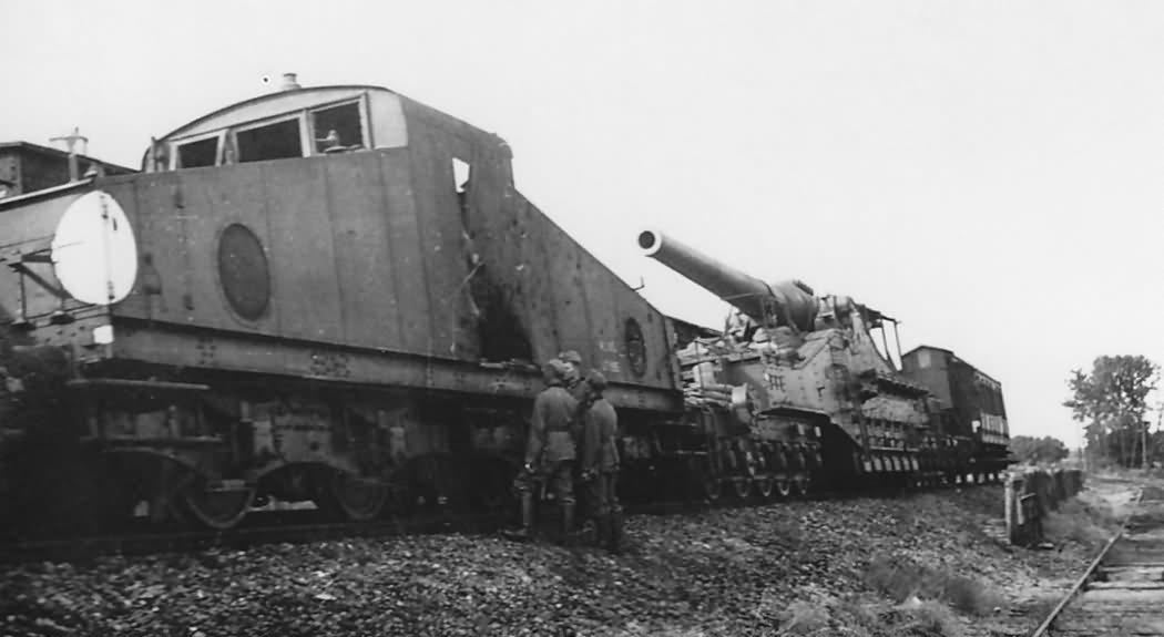 274 mm Mle 1917 railway gun and locomotive