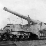 ex French 27,4 cm K(E) 592 (f) railway gun with number 929323 and nickname Casar