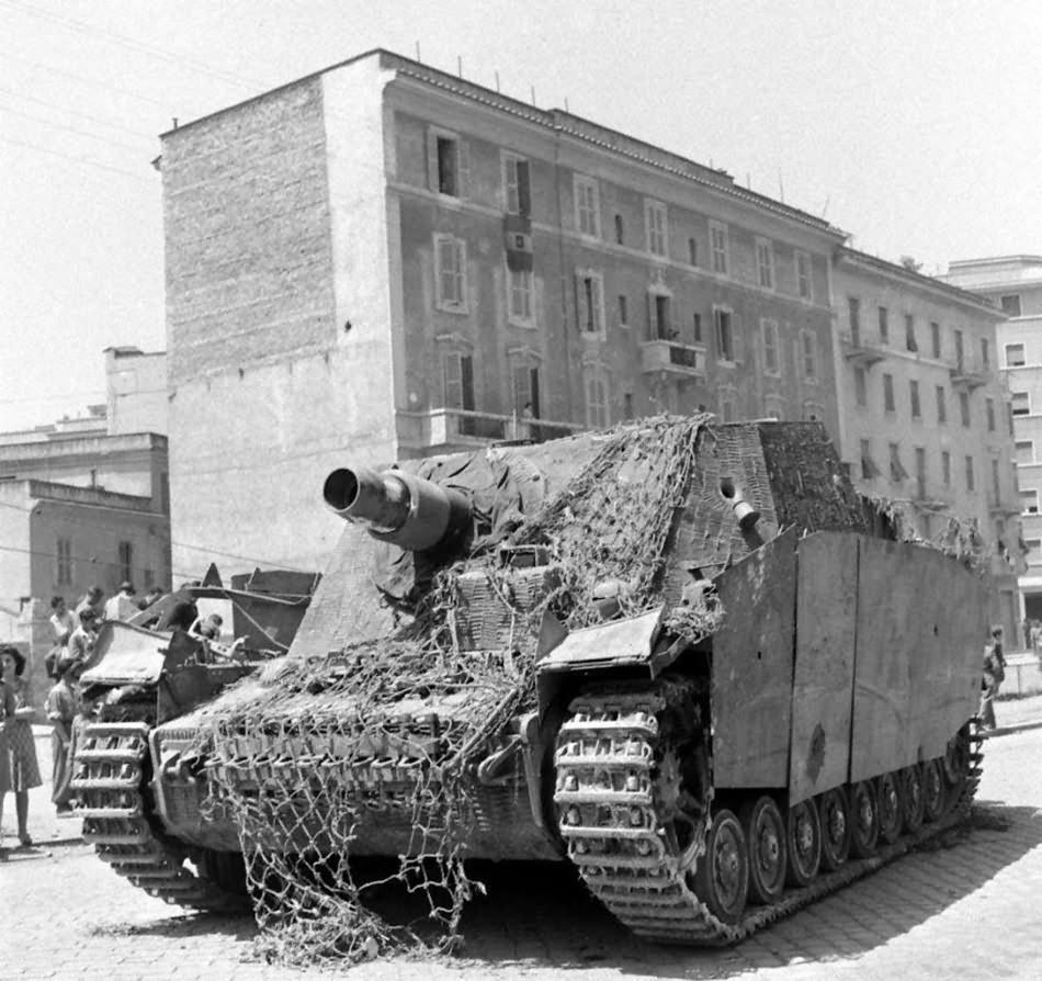 Abandoned Brummbär, Rome Italy 1944