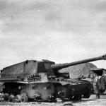 Destroyed Dicker Max 10.5 cm K18 auf Panzer Selbstfahrlafette IVa Russia 3