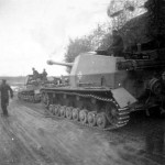 Dicker Max 10.5 cm K18 auf Panzer Selbstfahrlafette IVa Russia 9