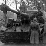 Dicker Max and 521 schwere Panzerjager Abteilung soldiers photo