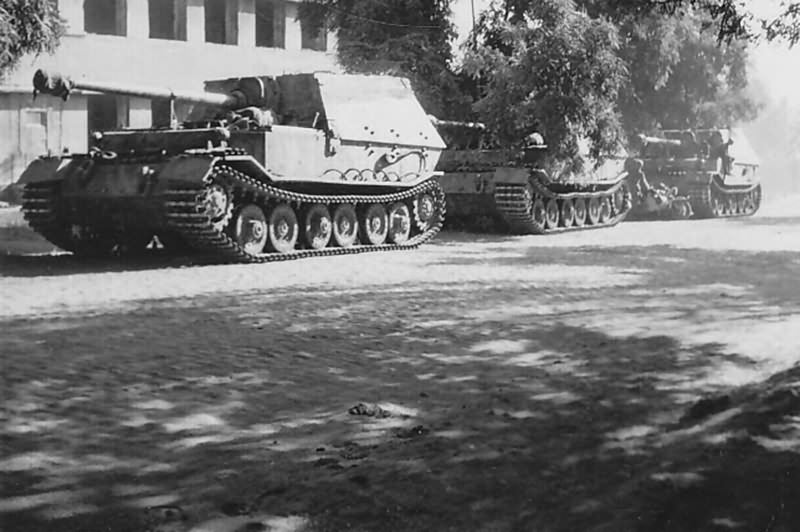 Panzerjager Tiger P Ferdinand Ukraine 1943 World War