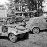 Ferdinand 621 of the schweres Panzerjäger-Regiment 656 and Kubelwagens