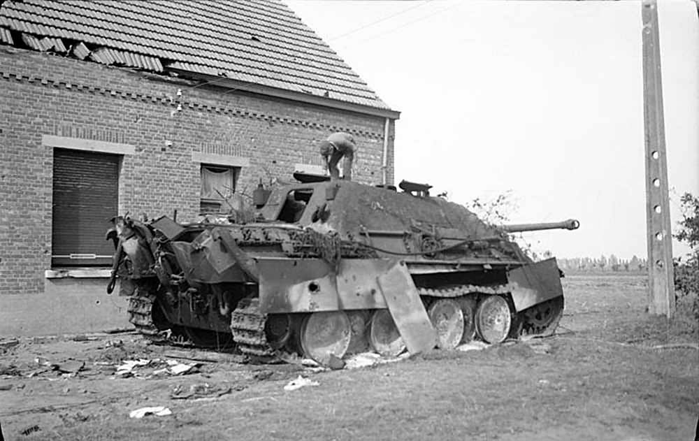 Burned Out Jagdpanther Of The Schwere Panzerj 228 Ger