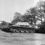 Jagdpanther 59 (stripe camouflage) – Panzerjäger-Ersatz- und Ausbildungs-Abteilung 20 Oldenburg May 1945