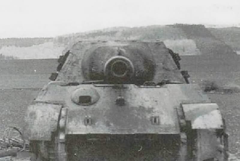 Jagdtiger code X5 of the Schwere Panzerjäger-Abteilung 512 (sPz.Jg.Abt. 512) front view