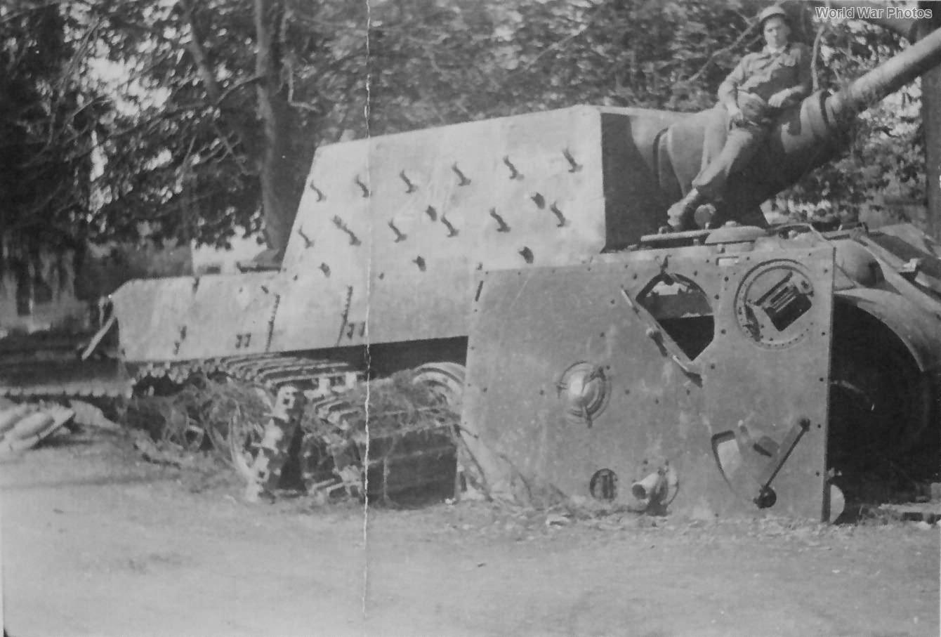 Jagdtiger 211 of the sPzJgAbt 653 Illertissen