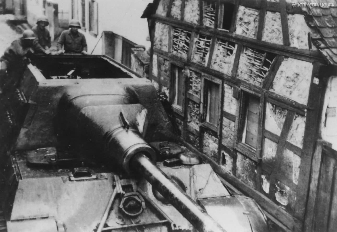 Jagdtiger 224 at Iggelheim 1945