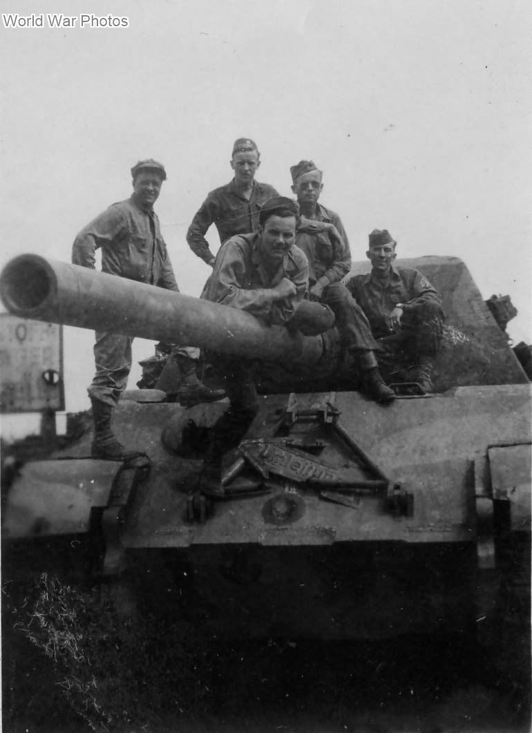 "Captured Jagdtiger ""323"" of the of Schwere Panzerjager Abteilung 653"