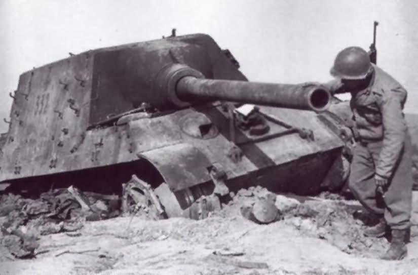 Jagdtiger 332 of the 653rd Heavy Panzerjäger Battalion near Morsbronn-les-Bains