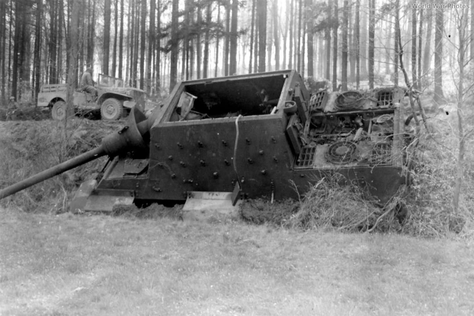 Jagdtiger 512 Dodge WC Offensen 1945