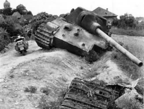 Jagdtiger Panzerjager Tiger Ausf B of Schwere Panzerjager Abteilung 653