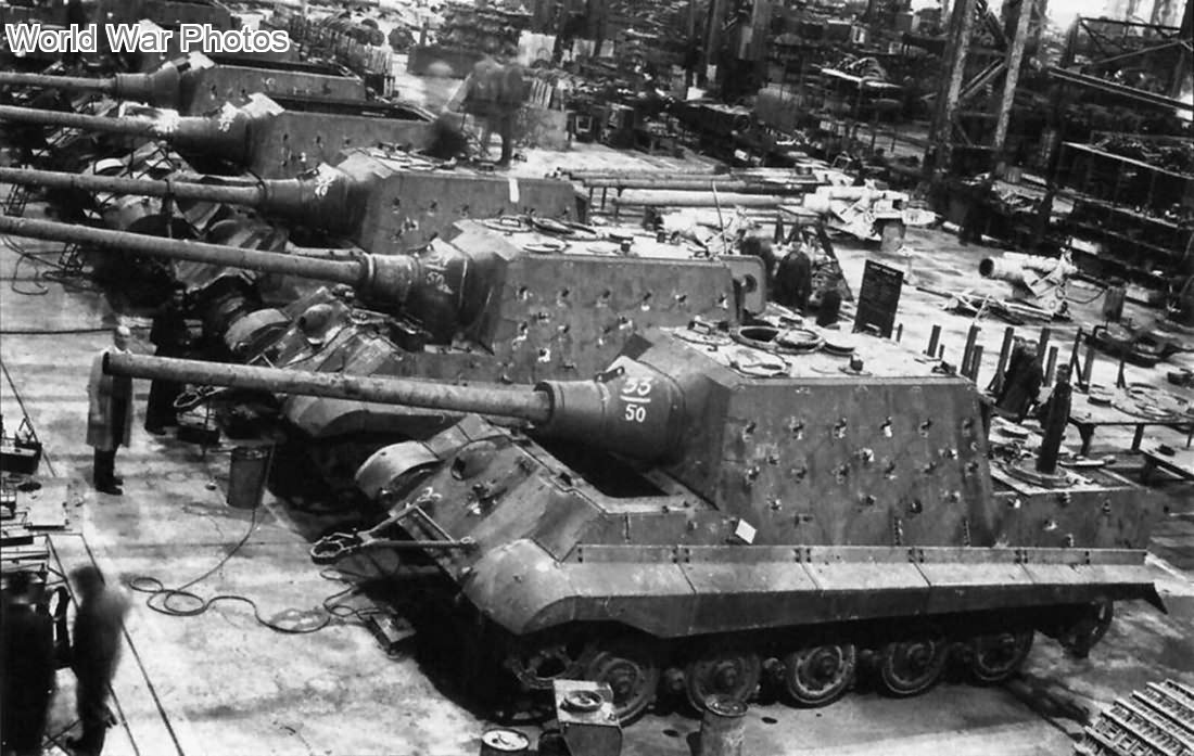 Jagdtigers assembly line in the Nibelungenwerk at St. Valentin