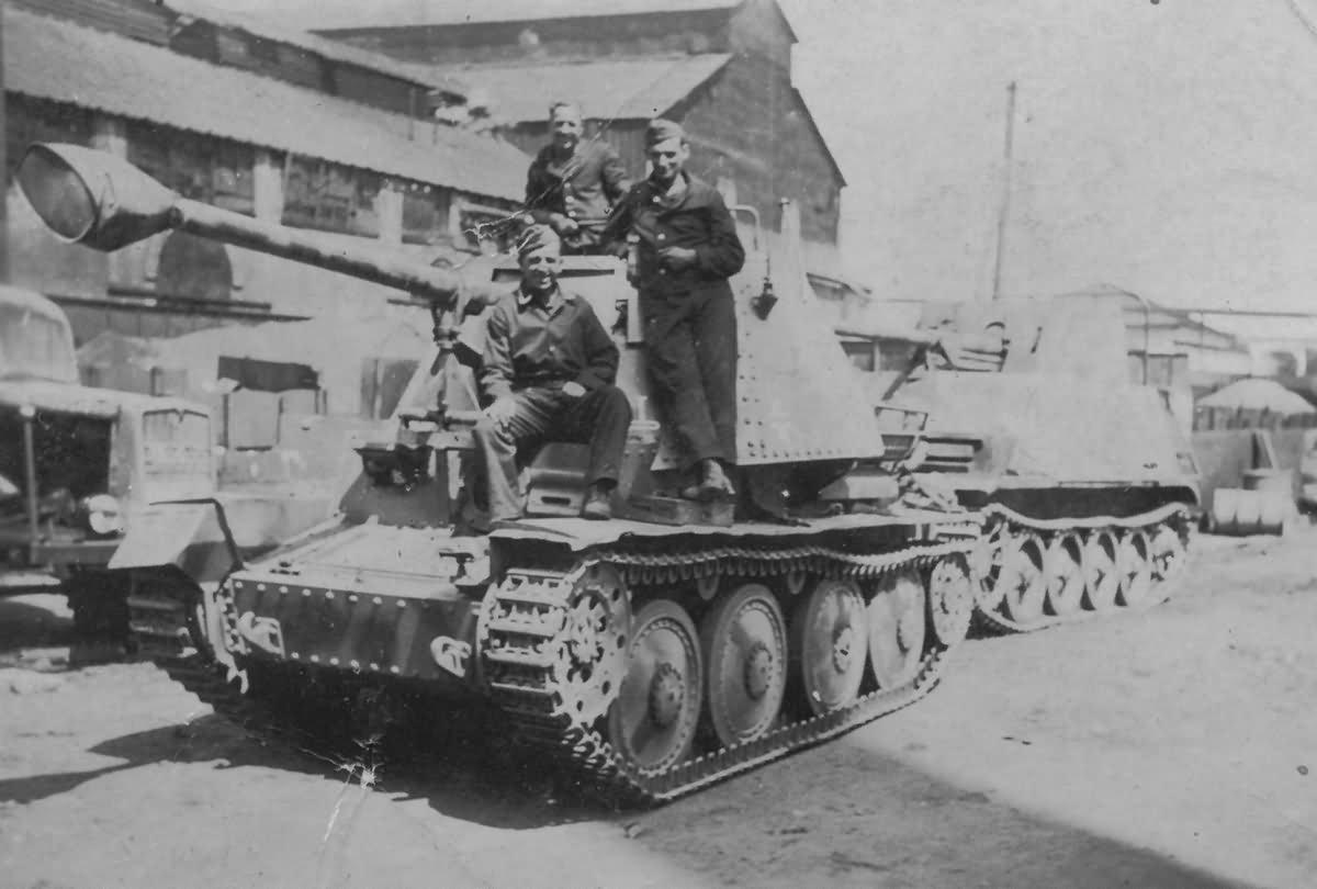 Marder III Ausf H and Marder II D