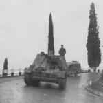 Nashorn tank destroyer on road