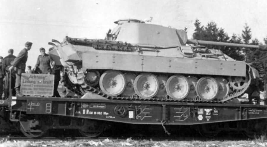 Panther ausf D tank on on Ssyms flatcar