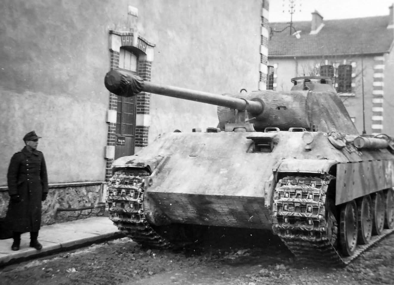 panther ausf a with zimmerit 1944 world war photos. Black Bedroom Furniture Sets. Home Design Ideas