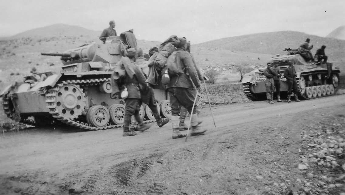 Panzer III tanks and POW