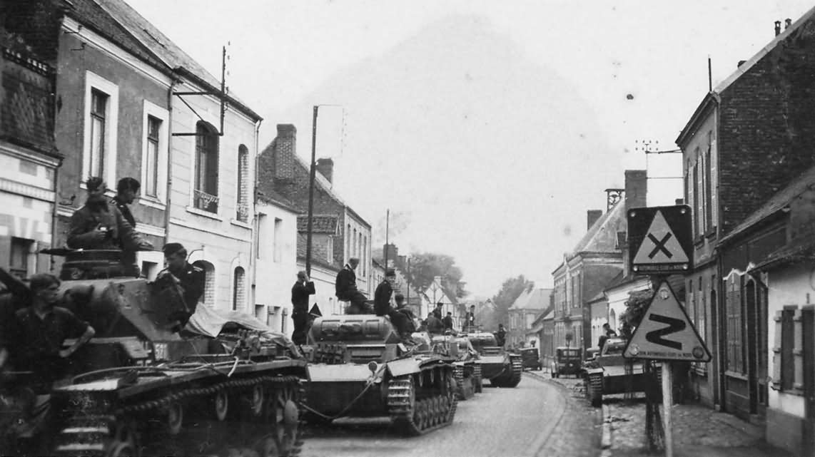 A column of Panzer III in France, 1940