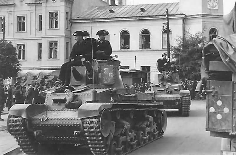 Pz.Kpfw. 35(t) tanks of the 1. leichte Division – Poland 1939