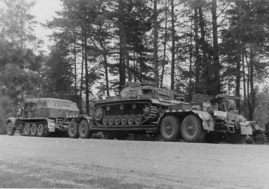 4 Panzer Division Sd Ah 116 Trailer And Panzer III Eastern