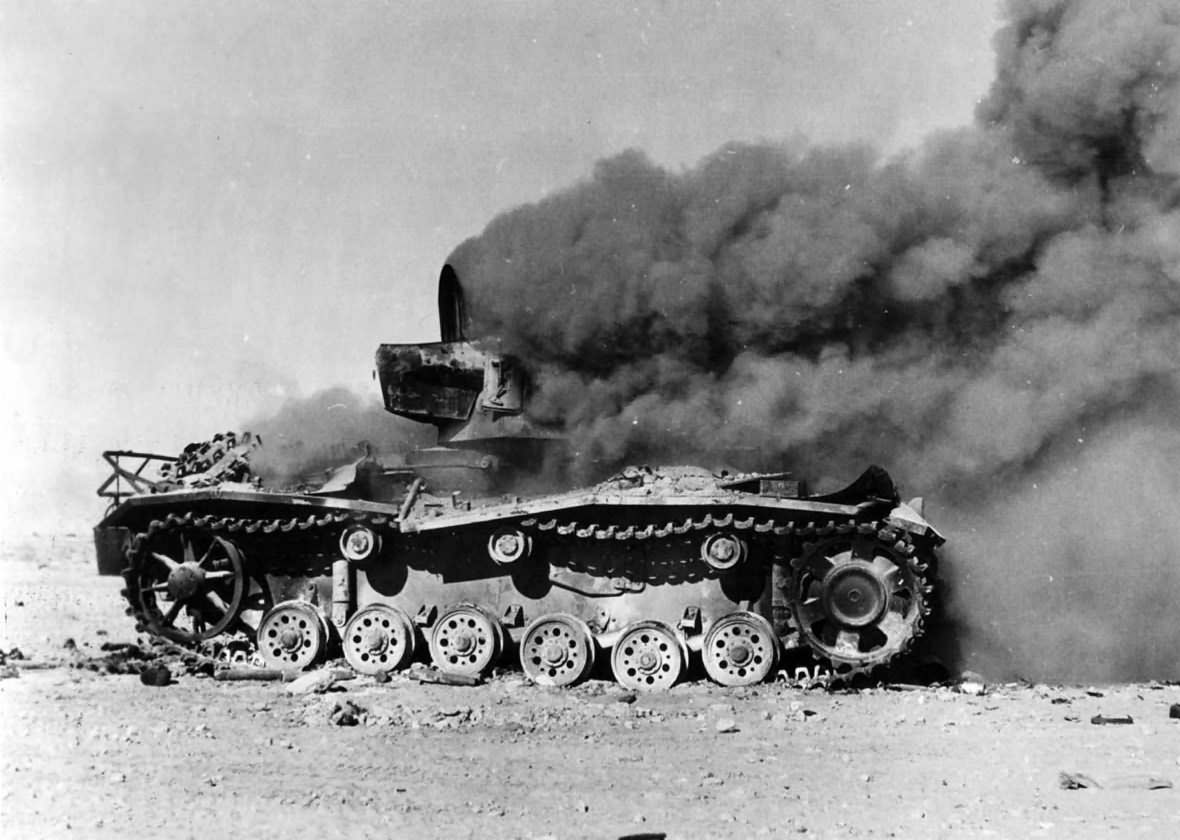 Panzer_III_Tank_Burning_in_Egyptian_Dese